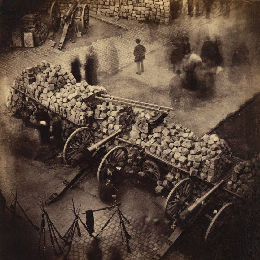 Barricade_Paris_1871_by_Pierre-Ambrose_Richebourg 840