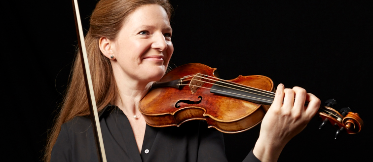Rachel Podger with Pazarini violin