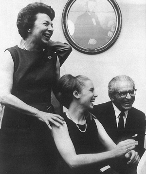 Lee Wurlitzer, her daughter, Marianne, and Sacconi. Photo: Hans Nebel