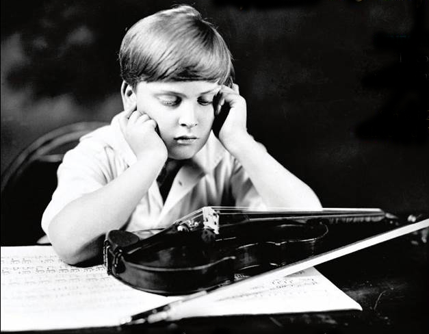 Menuhin in the 1920s. He experimented with various different violins during this period