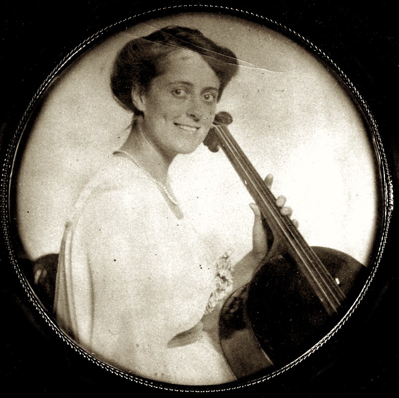 Christine Merton, cellist