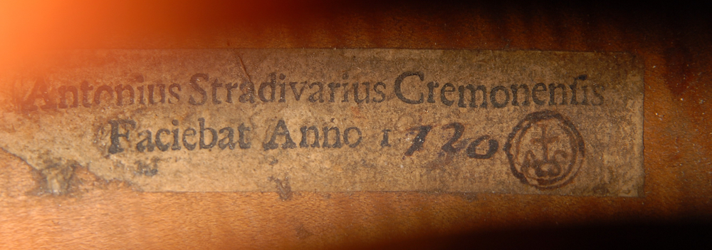 The date on the label of the Pawle appears to have been altered from 1730 to 1720