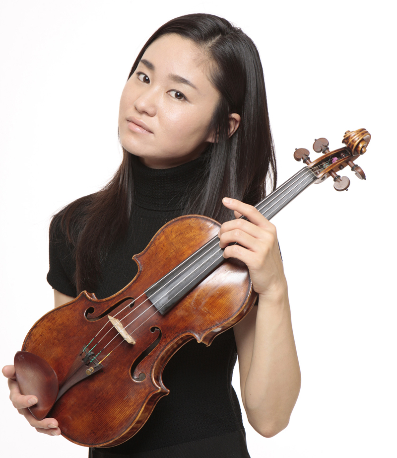 Sayaka Shoji with the 'Récamier' Stradivari. Photo: Kishin Shinoyama
